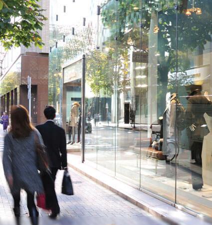 3M Prestige 70 Interior window film on showcase